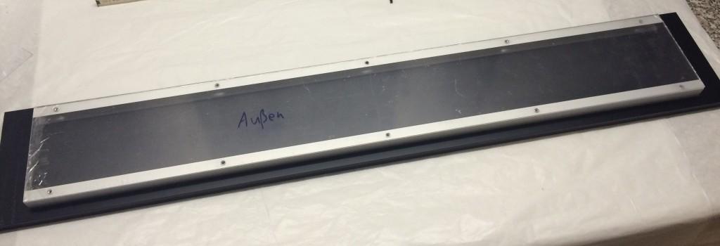 Plexiglasscheibe auf Alu-Profile